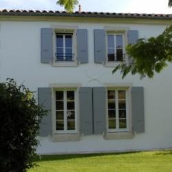 Pose de Menuiseries ALU blanche à proximité de Rochefort en Charente Maritime