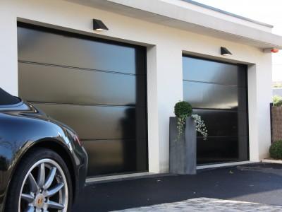 Double porte de garage sectionnelles pour 2 voitures