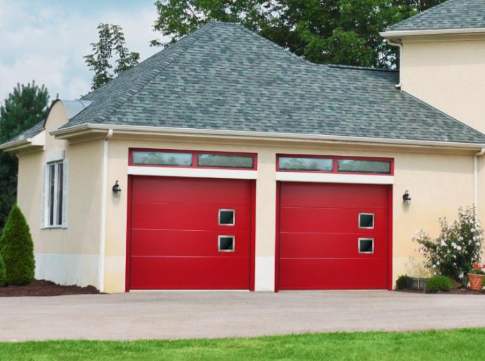 double porte rouge pour l'accès à votre garage